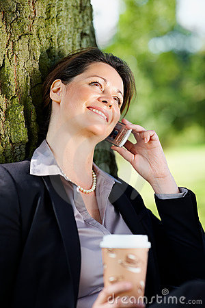 Business woman speaking on the cellphone