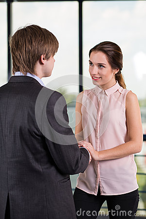 coworker flirting Question to ask the workplace doctors about a boss who plays favorite to flirting subordinate: a female coworker regularly wears low-cut blouses and leans in to guys when chatting, and flirts.
