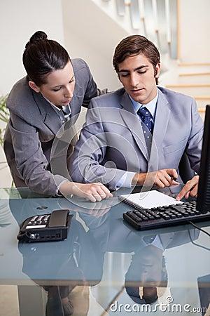 Businesswoman mentoring her new colleague