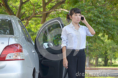 Businesswoman speaking on mobile phone