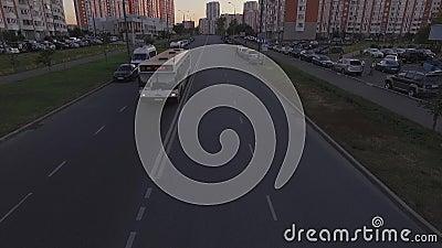 Bussritter under kameran stock video