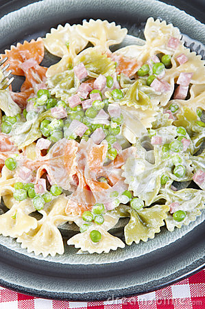 Butterflies tricolor with peas and ham