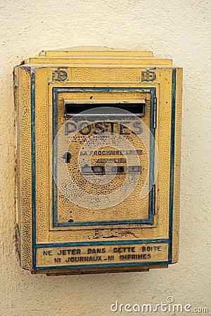 Buzón de correos en Francia