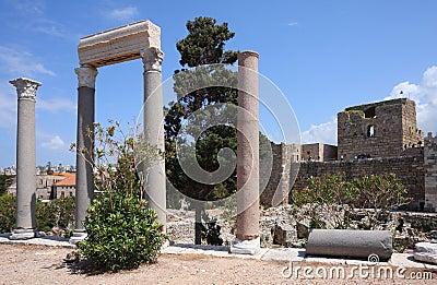 Byblos römische Spalten und Kreuzfahrer-Schloss, der Libanon
