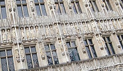 Byggande dekorativ facade