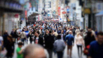 Cámara lenta del cambio de la inclinación de Bruselas del tráfico peatonal de la ciudad