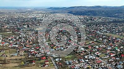 Câmpina, Ρουμανία, εναέριο μήκος σε πόδηα της προαστιακής περιοχής φιλμ μικρού μήκους
