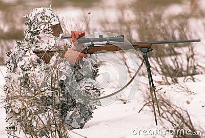 Caçador predador que chama no inverno