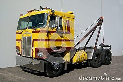 Cab-over Wrecker