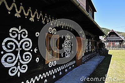 Cabaña popular pintada