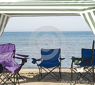 Free Cabana And Chairs Stock Photo - 2946500