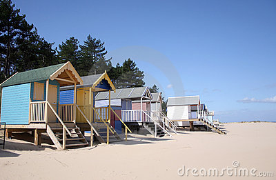 Cabanas da praia no Poço-seguinte--Mar
