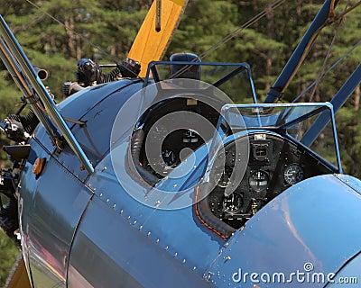 Cabina di guida del biplano dell annata