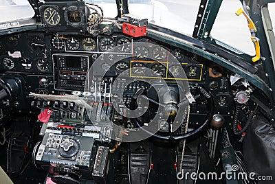 Cabina di guida del bombardiere vecchia fotografie stock for Animali domestici della cabina di nashville