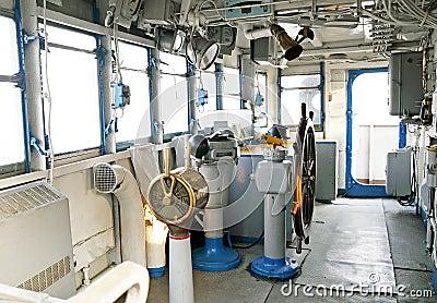 Cabina di guida della nave immagini stock libere da for Foto della piccola cabina