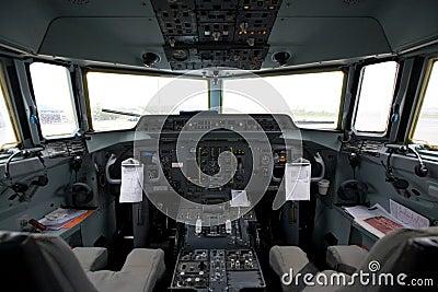 Cabina do piloto de um avião