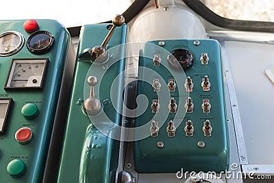 Cabina do piloto velha do trem