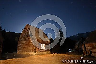 Cabine de registro na noite estrelado