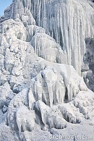 Filler históry - Acontecimentos no inferno - Página 4 Cachoeira-congelada-29269390