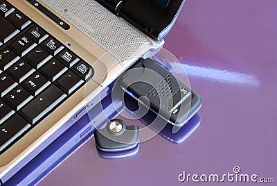 Caderno com chave do Usb 3G do modem