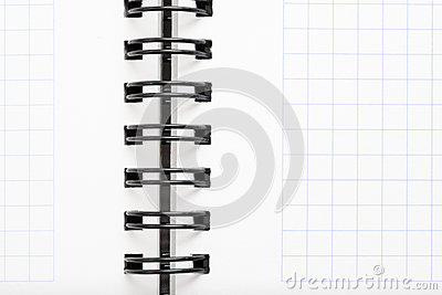 Caderno com fio preto