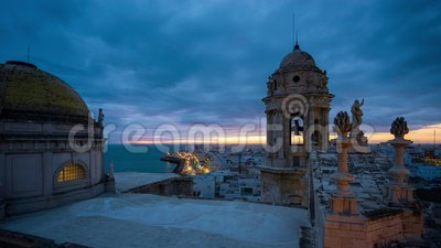 Cadiz Cathedral City View Εντυπωσιακός ουρανός σε μπλε ώρα από το East Tower Andalusia φιλμ μικρού μήκους