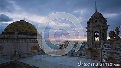 Cadiz Cathedral City View Εντυπωσιακός ουρανός στο Σούσκ από το East Tower Andalusia απόθεμα βίντεο