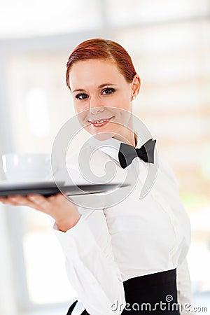 Café do serviço da empregada de mesa