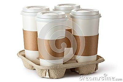 Café quatre à emporter dans le support