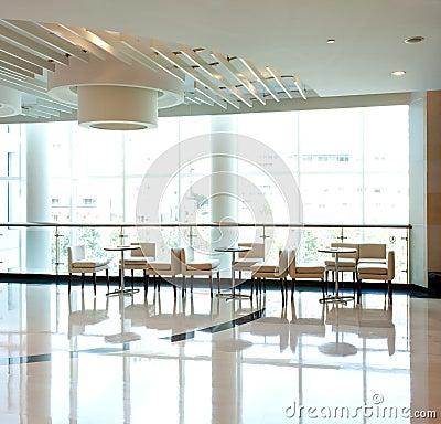 Café dell interno luminoso di svago