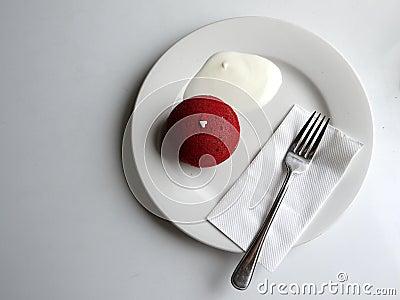 Cafe: simple modern dessert