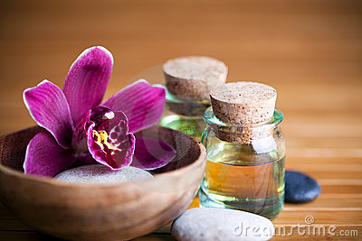 Cailloux, orchidée et pétroles