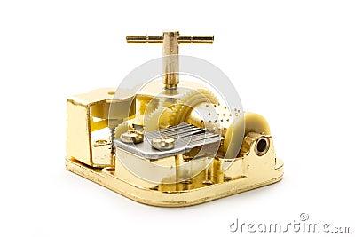 Caixa de música dourada