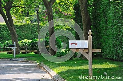 Caixa postal branca