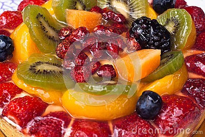 Cake with fresh fruits