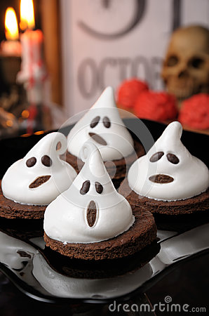 Free Cake Ghosts For Halloween Royalty Free Stock Photography - 95271737