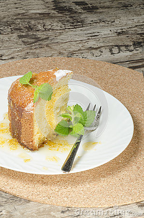 A cake made ​​of maize flour on plate