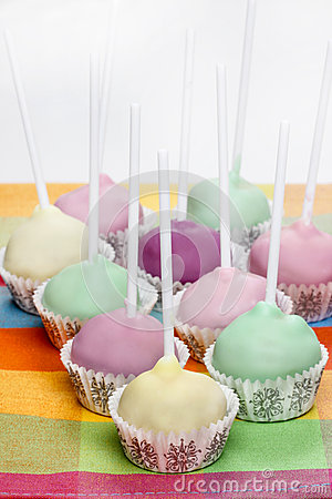 Free Cake Pops In Pastel Colors, Sweet Dessert For Kids Stock Photos - 38912153