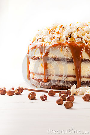 Free Cake With Hazelnuts And Homemade Salted Caramel. Close Up. Royalty Free Stock Photography - 80914847