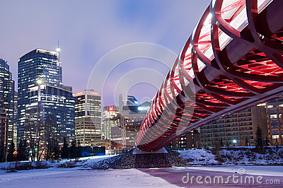 Calgary s Peace Bridge and skyline at night Editorial Photography