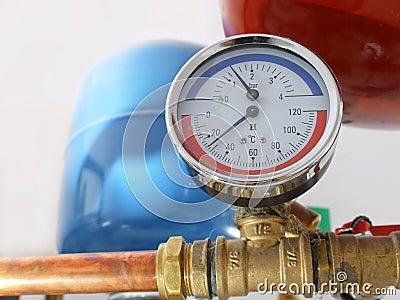 Calibrador de la temperatura y de presión