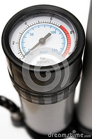 Calibre de pressão do ar (vista próxima)