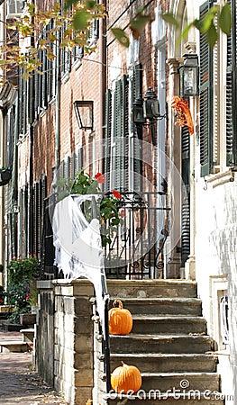 Calle en Alexandría, Virginia el Víspera de Todos los Santos