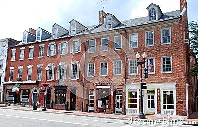 Calle principal 11 de la pequeña ciudad