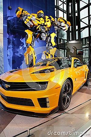Camaro & Transformer At NY International Auto Show Editorial Stock Image