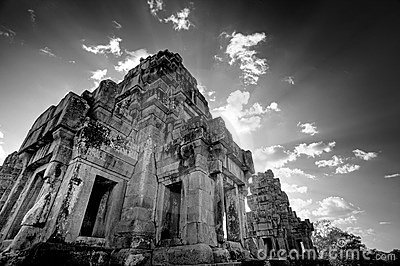 Cambodian temple ruins - black & white
