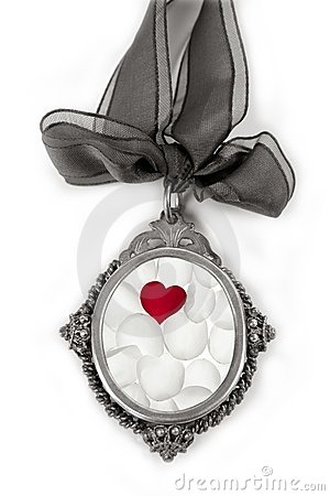 Free Cameo Silver Locket With Petals Valentines Heart Stock Images - 12742724