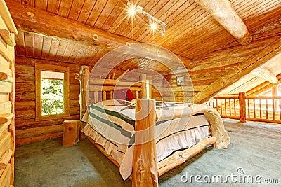 Camera da letto della cabina di libro macchina nell 39 ambito for Soffitto della cattedrale di legno
