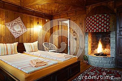 Camera da letto della pensione con il camino immagini stock libere da diritti immagine 29485599 - Camera da letto con camino ...