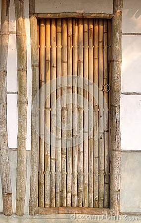 Camera del cinese tradizionale con la porta di bamb for Casa tradizionale cinese